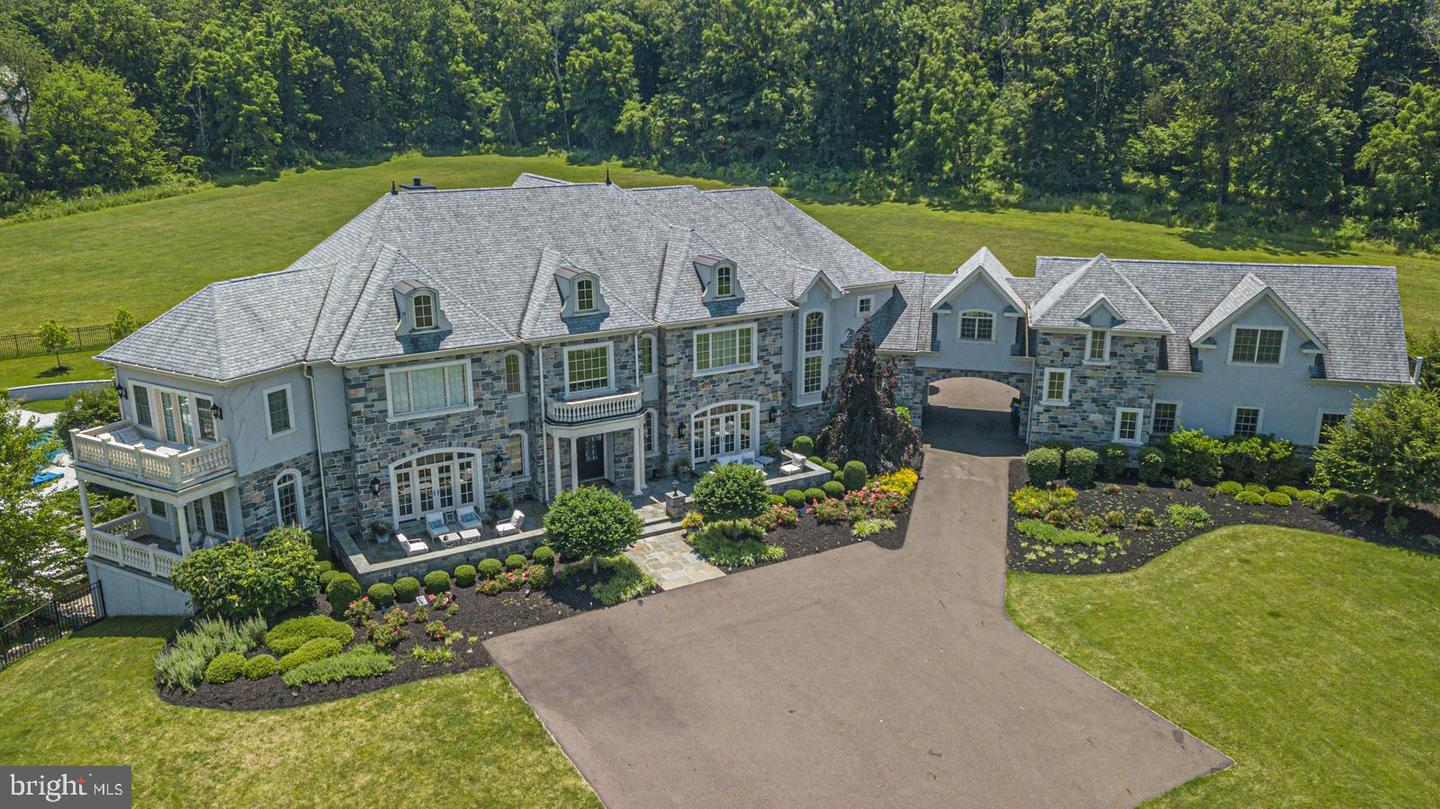 Surprising 412 Brownsburg Rd Newtown Pa Re Max 440 Central Home Interior And Landscaping Pimpapssignezvosmurscom